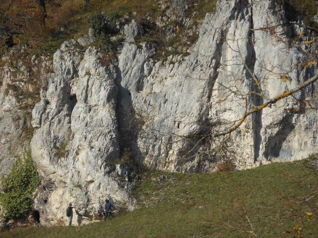 Bild Felsen bei Hütten